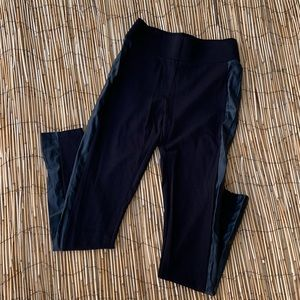 🛍MAURICES BLACK LEGGINGS WITH FAUX LEATHER SIDES